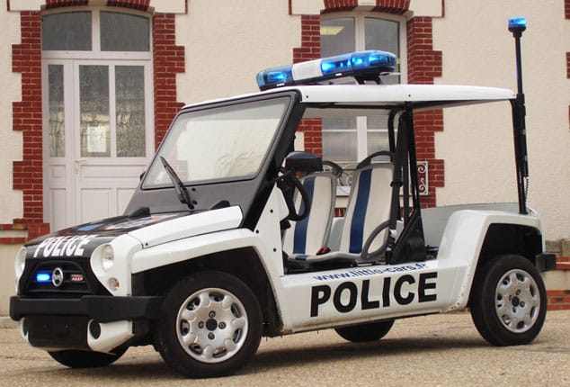 Little4 2 Plazas, Policía
